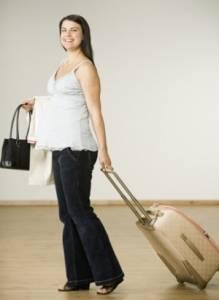 К 35-й акушерской неделе беременности начинайте активные сборы в роддом.